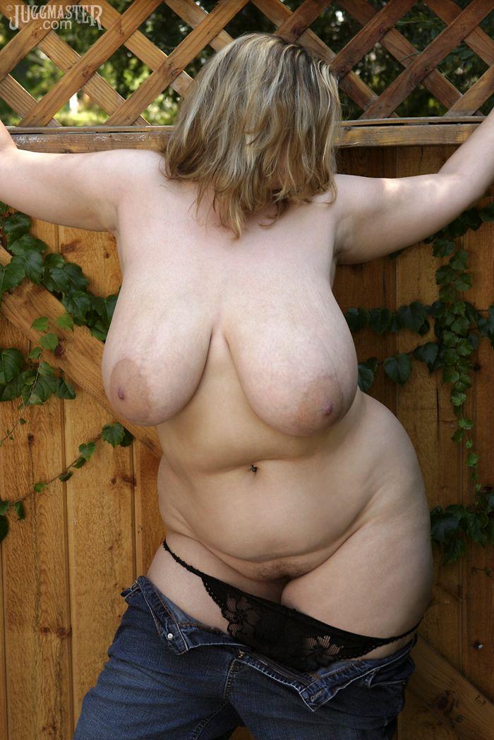 ними голые толстушки большие крупные сиськи фото глотает его