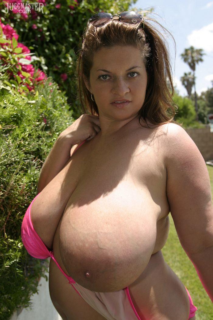 Порно онлайн маленькая с большими грудями