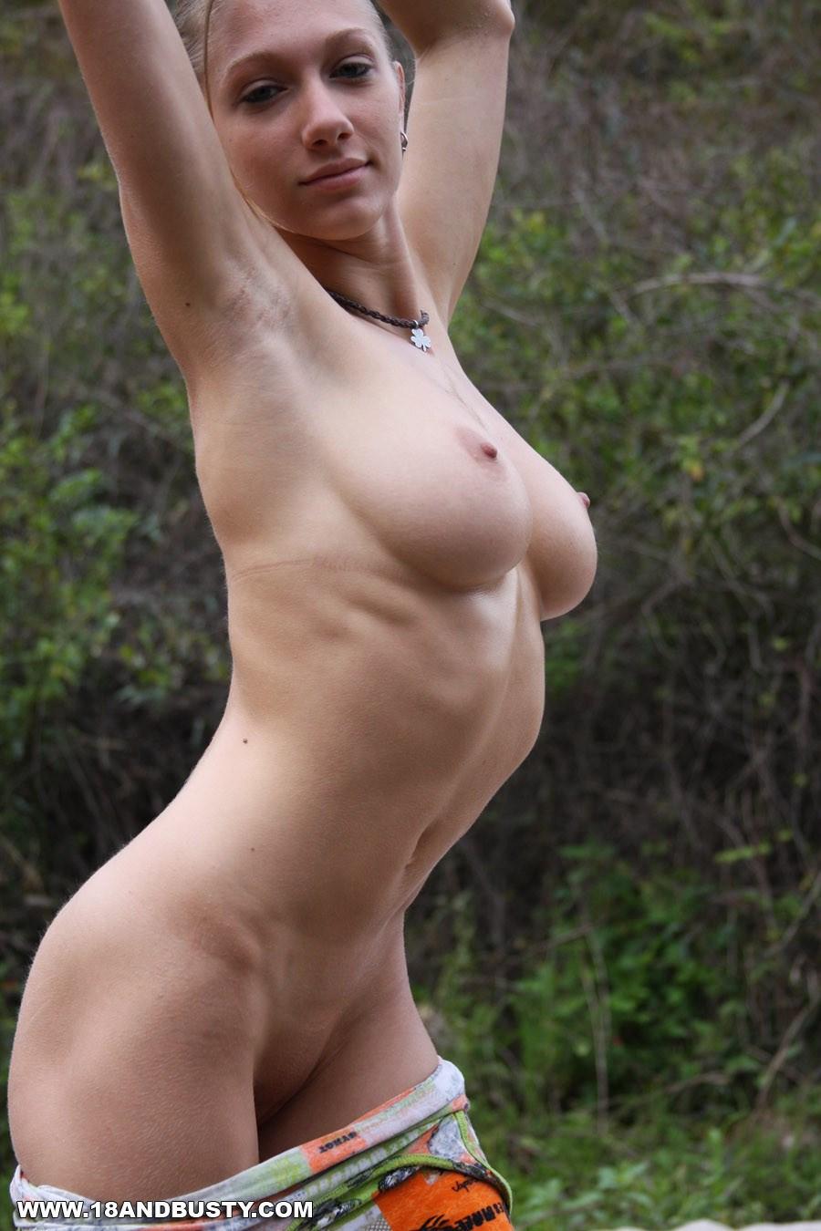 женщины натуральная грудь порно