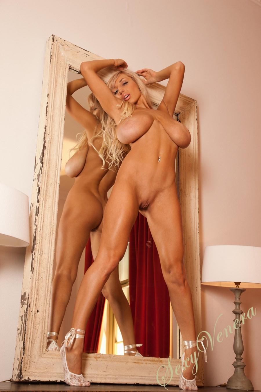 очень огромные и голые сиськи фото