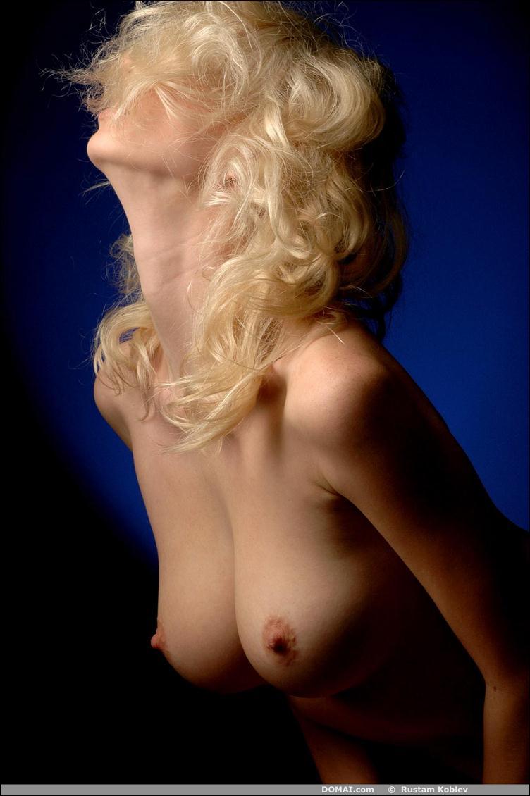 Голые худые девушки с маленькой грудью