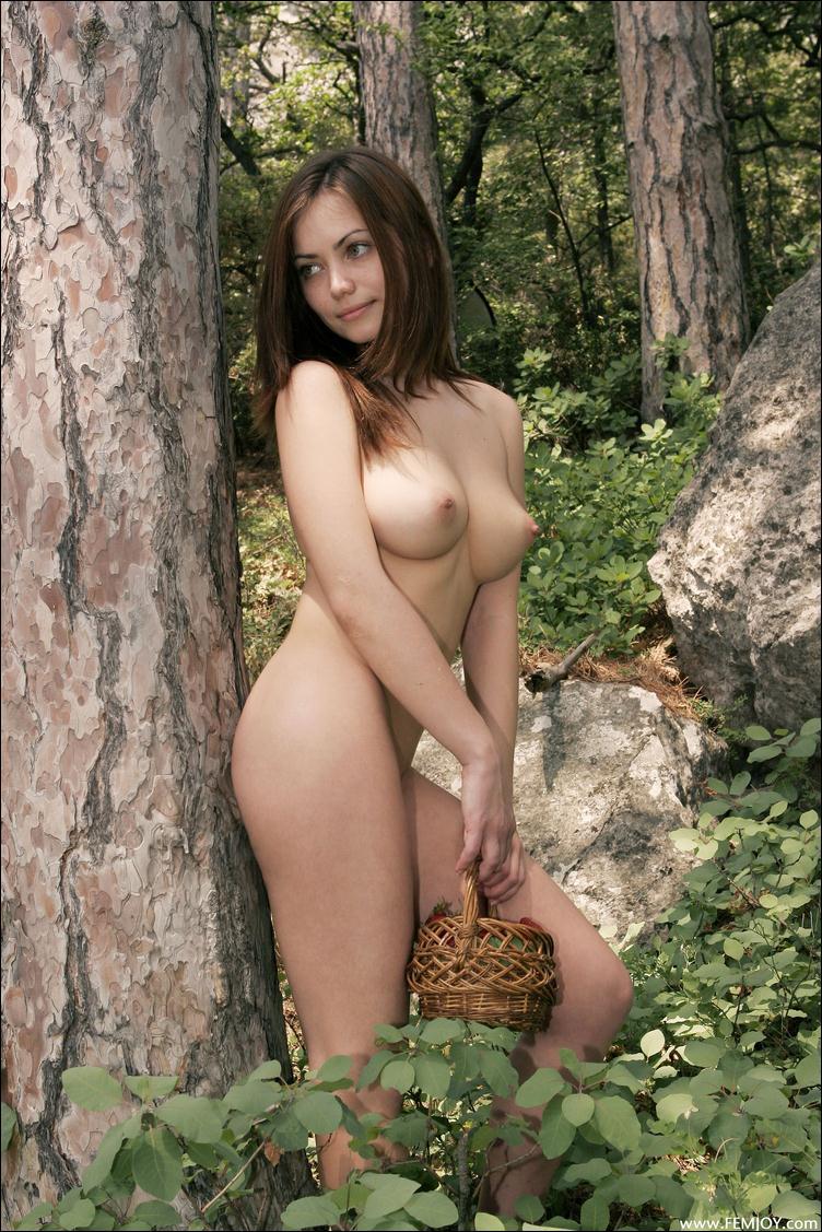 большие соски груди фото интим