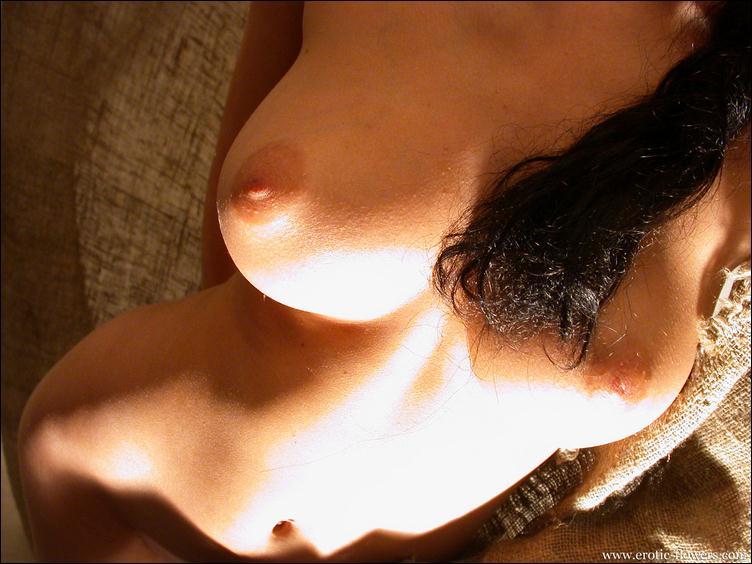 необычное фото женской груди